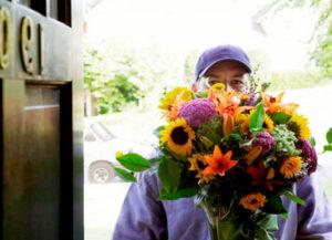Как заказать цветы с доставкой