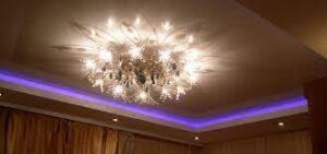 Натяжной потолок с подсветкой.
