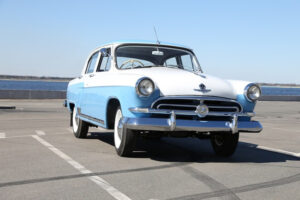 """Авто классика. Реставрированный ГАЗ 21 """"Звезда"""""""